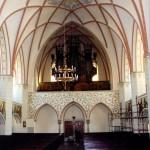 Nawa główna kościoła pw. św. Jacka w Legnicy woj dolnośląskie